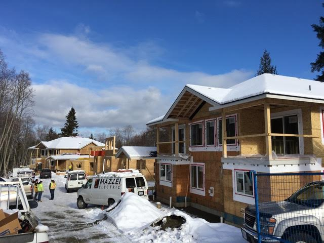 North Nanaimo luxury townhomes in construction